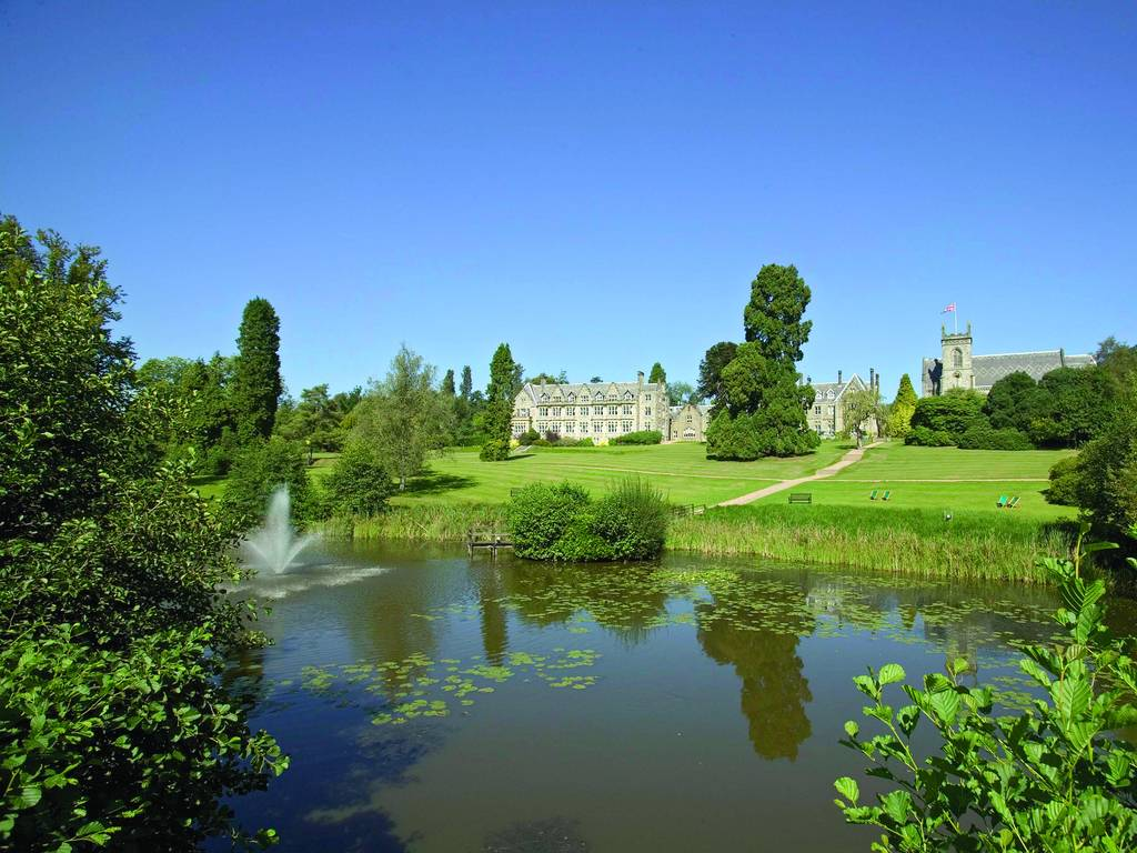 Ashdown park hotel in south east england and ashdown for Luxury hotel breaks